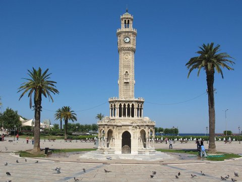 İzmirde Yeni İnsanlar